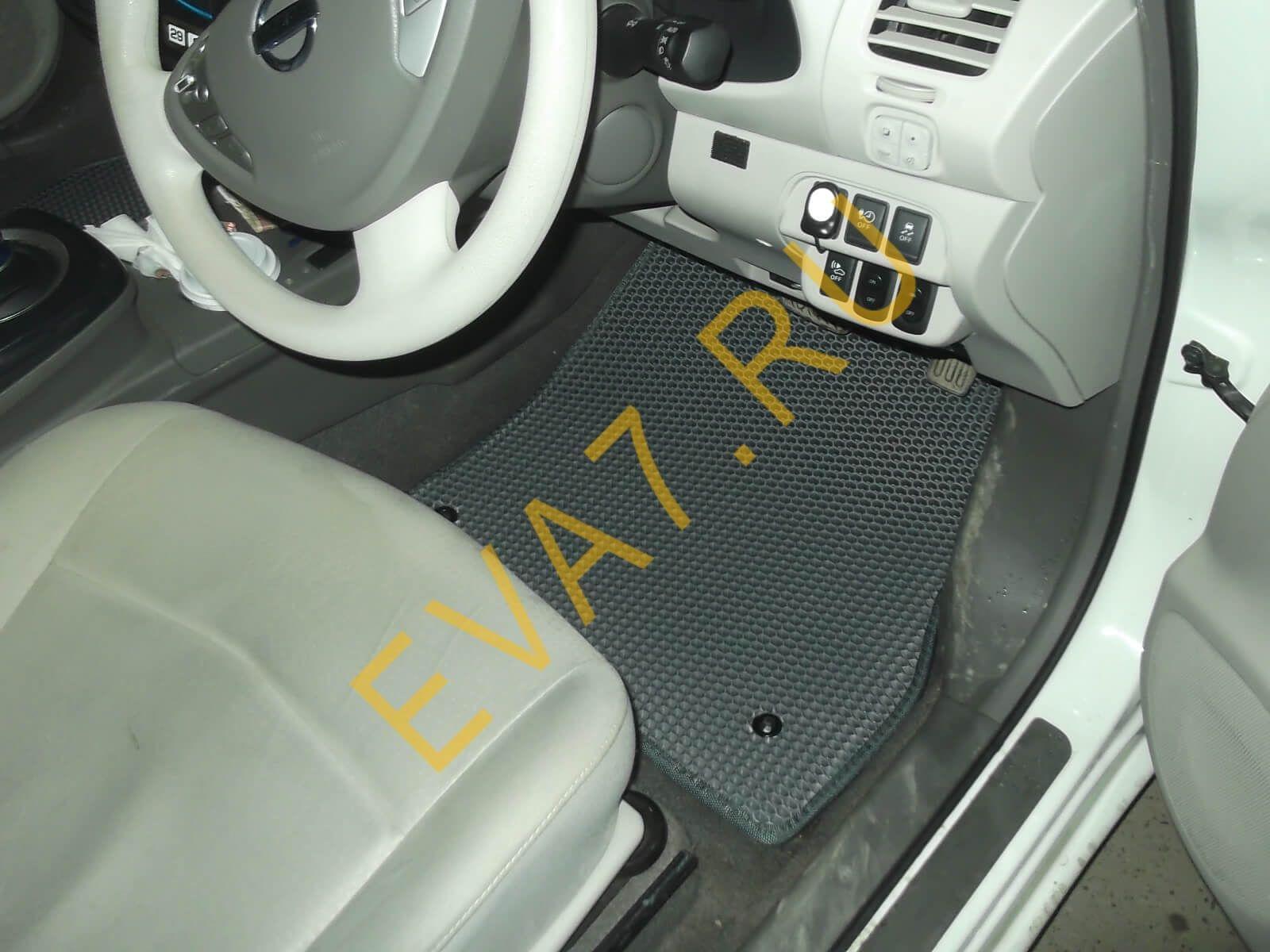 Коврики в салон Nissan Leaf AZE0 правый руль 2009-2017