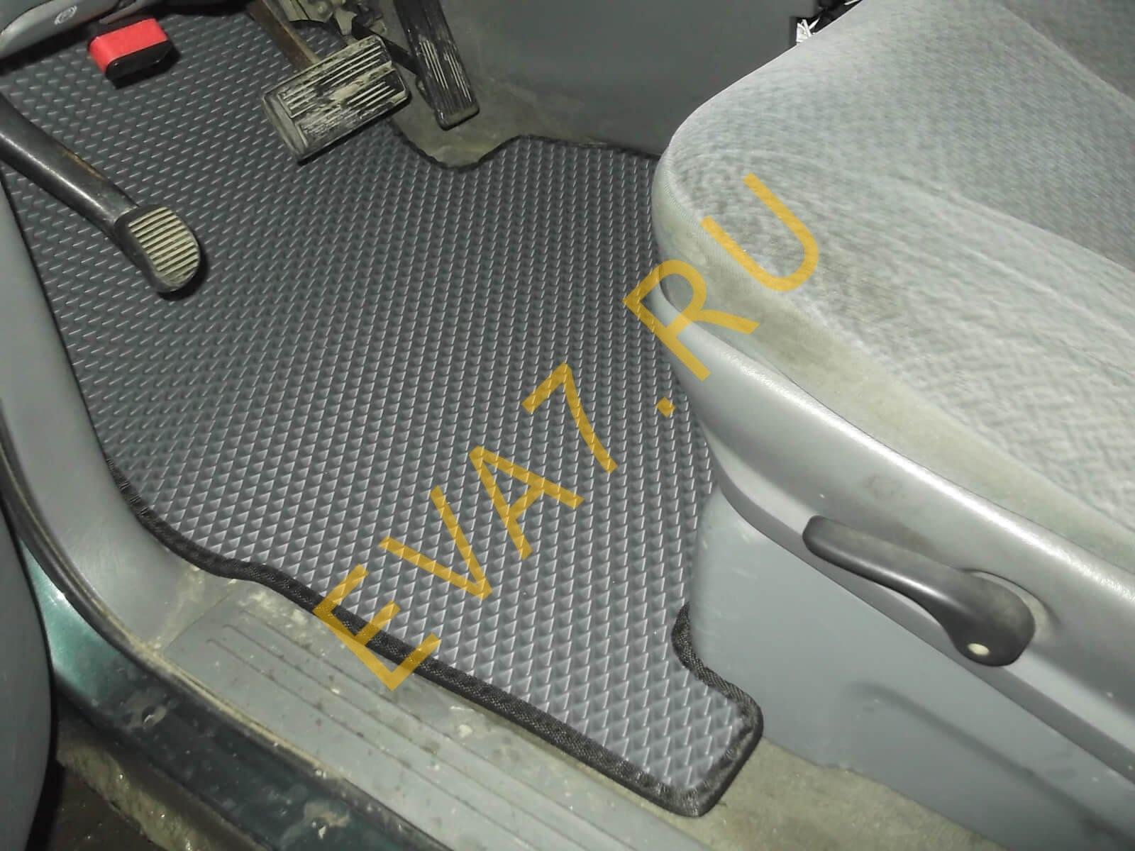 Коврики в салон Dodge Caravan2000-2007