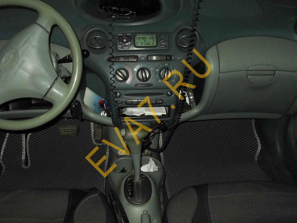 Коврики в салон Toyota Yaris I 1999-2003